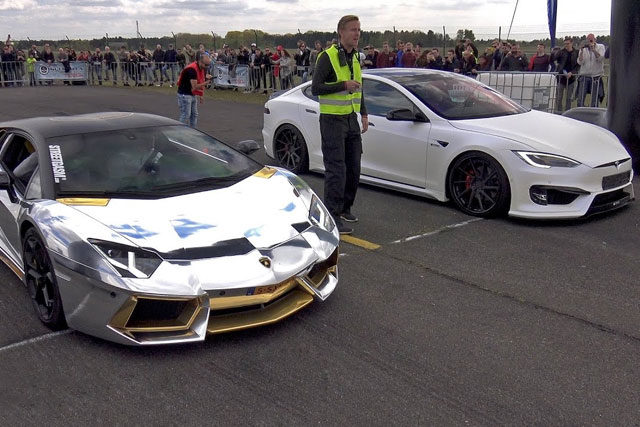 Lamborghini Aventador vs Prior Design Tesla Model S