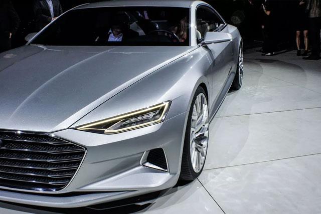 Audi A8 Sedana