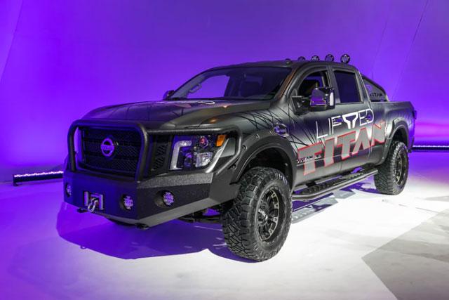 Gmc Sierra Vs Ford F 150 >> PHOTOS! Chicago Auto Show 2018