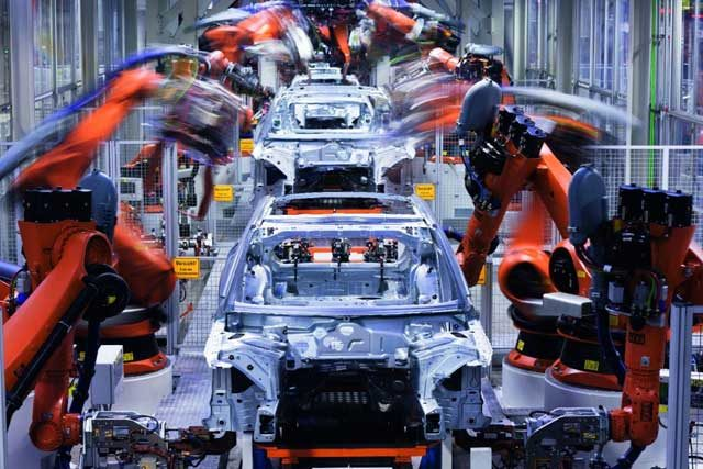 Auto Industry Experts Predict 2019