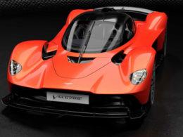 Aston Martin Valkyrie Packs 1,160 HP, Revs to 11,100 RPM