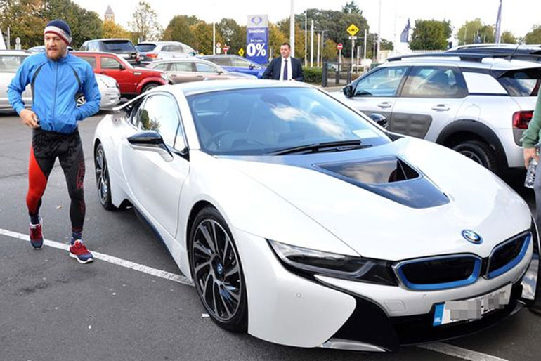 Conor McGregor BMW i8