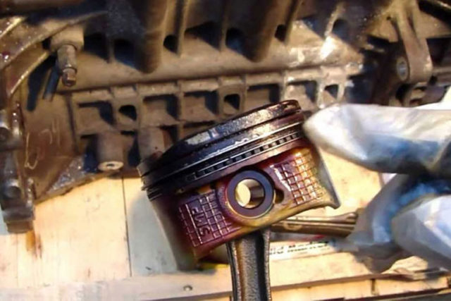 How to Know If Your Car Has Bad Piston Rings