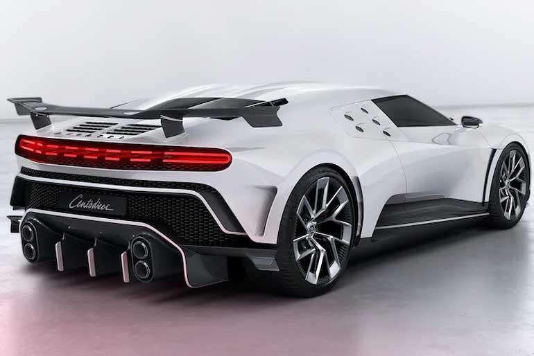 2020 Bugatti Centodieci Rear Three-Quarter
