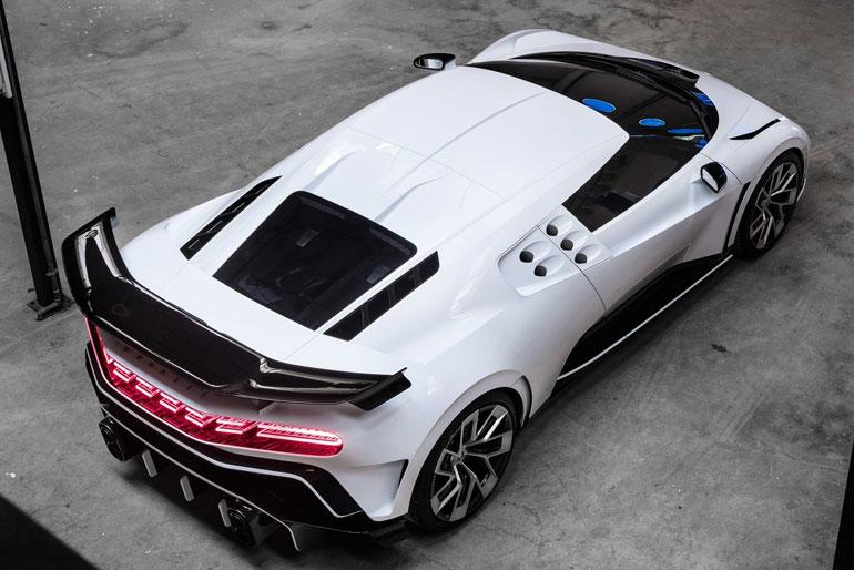 2020 Bugatti Centodieci Brilliant style