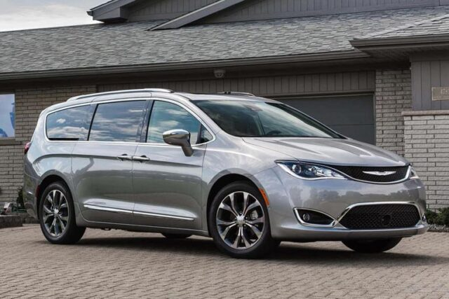 2020 Chrysler Pacifica Review – Pros And Cons