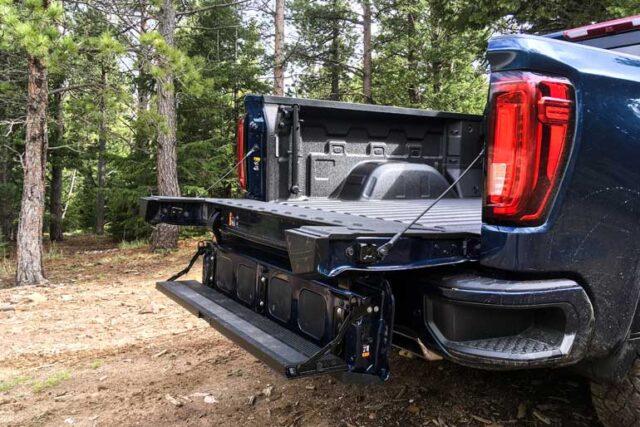 Warning Signs that Your Tailgate Lock May be Giving Up on Your Vehicle